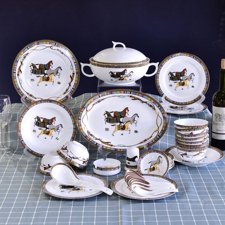 骨瓷餐具碗盘套装的清洁方式