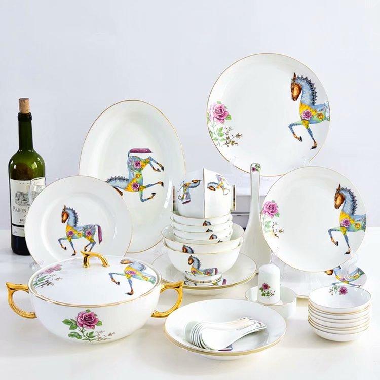 不同的陶瓷餐具有不同的摆放小技