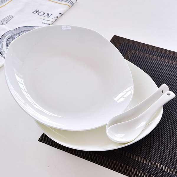 纯白8寸方陶瓷饭盘