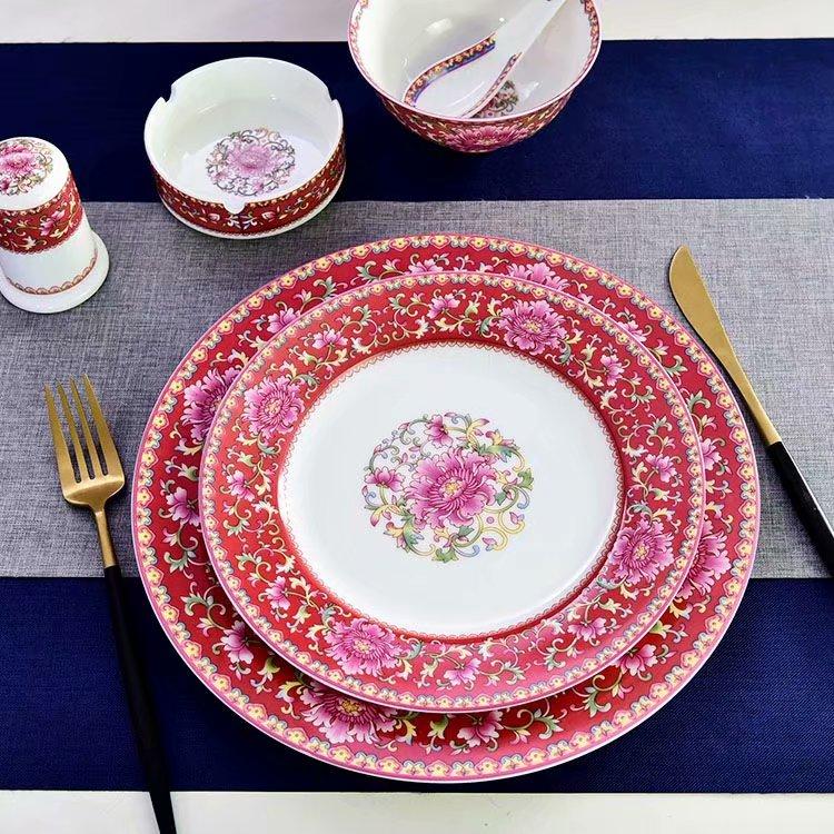 陶瓷餐具开始向艺术化前进