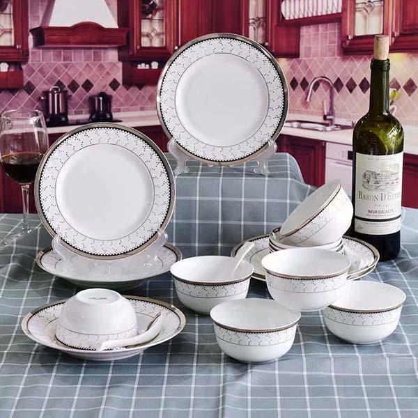 使用陶瓷餐具前最好这样处理