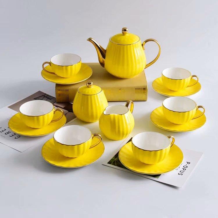 骨瓷杯可以提升香气,让咖啡喝起